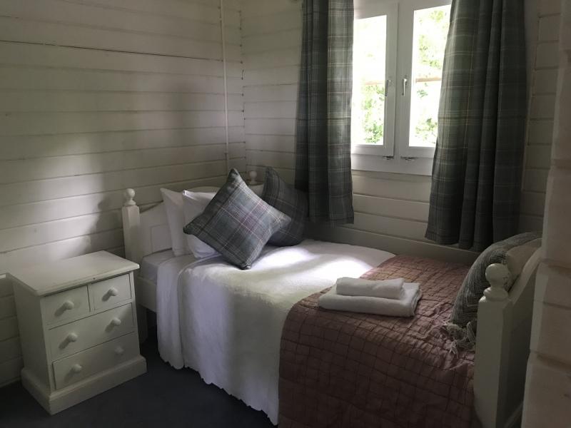 cabin single 2